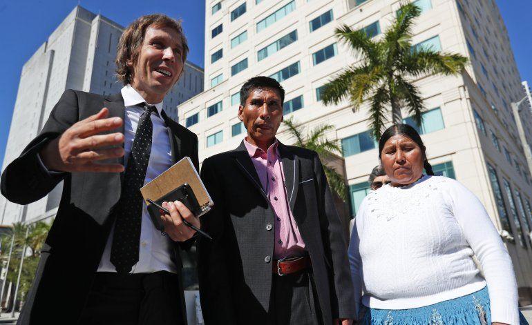 Indígenas bolivianos reclaman justicia en EEUU