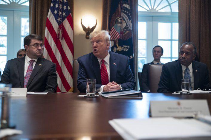 """Trump dice que se sometió a """"examen físico de rutina"""""""