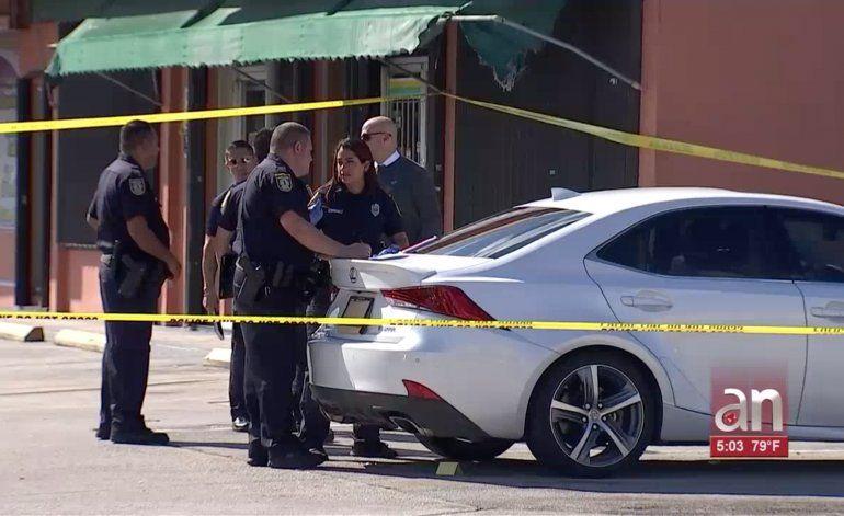 Una dentista fue baleada a las afueras de su consultorio odontológico en el este de Hialeah