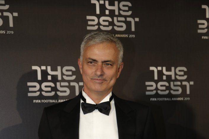 Mourinho promete 'pasión' tras relevar a Pochettino