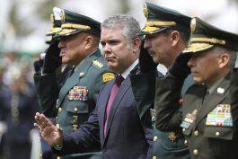 miles de colombianos esperan canalizar ola de descontento