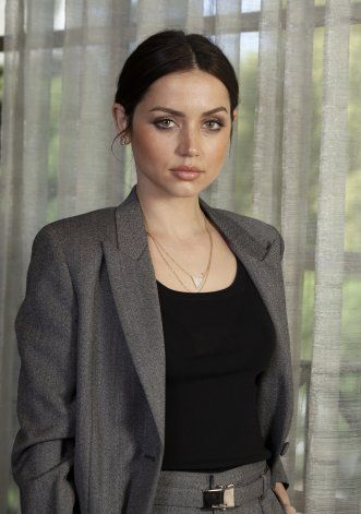 "De ""Knives Out"" a Bond, Ana de Armas asciende en Hollywood"