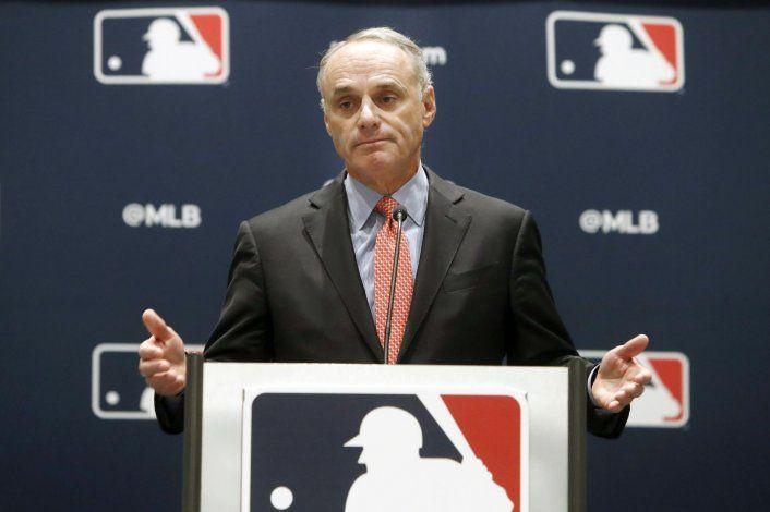 MLB remonta su investigación de los Astros a 2017