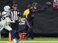 hopkins atrapa 2 pases de touchdown; texans vencen a colts