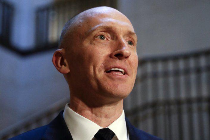 Investigan a exabogado de FBI por documento alterado