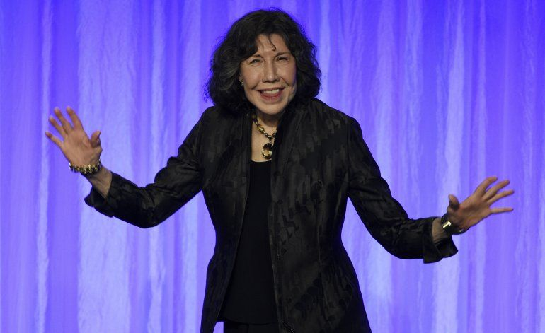 """Lily Tomlin lamenta poner fin a """"Grace and Frankie"""""""