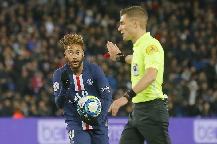 Neymar vuelve tras lesión y PSG despacha 2-0 a Lille