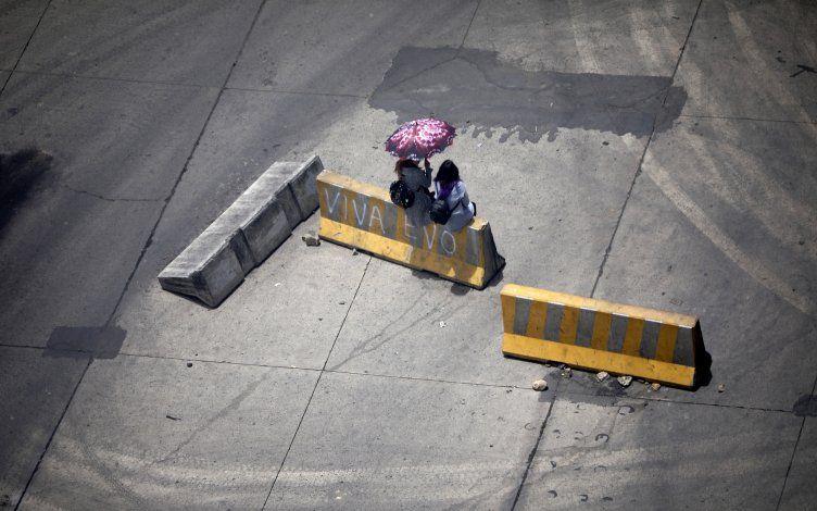 LO ÚLTIMO: Manifestantes retiran bloqueos en Bolivia
