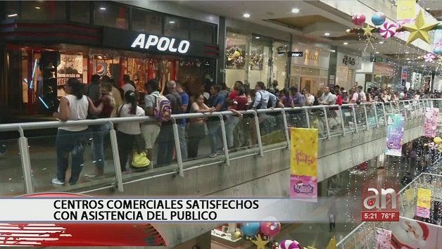 Compradores venezolanos eufóricos con el primer viernes negro