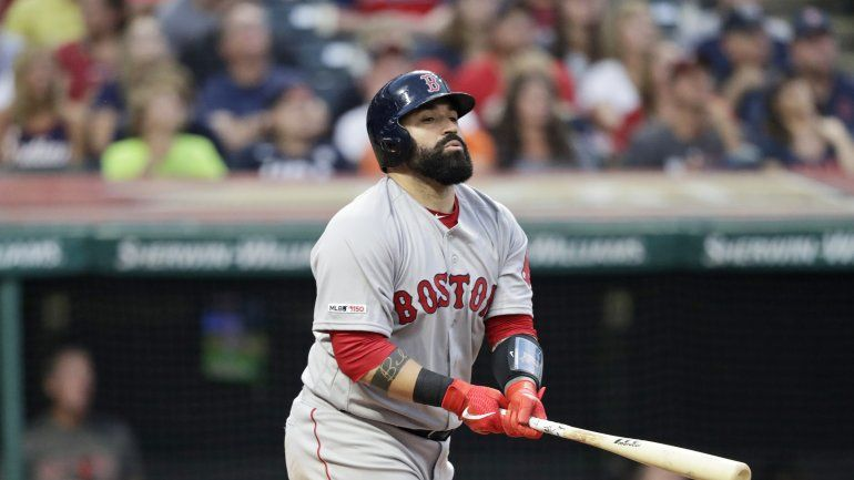 Indios adquieren al receptor Sandy León en canje con Boston