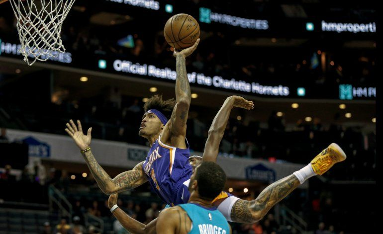 Con triple de Oubre, Suns vencen a Hornets