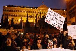 mujeres marchanen libano contra acoso sexual e intimidacion