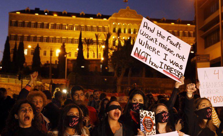 Mujeres marchanen Líbano contra acoso sexual e intimidación