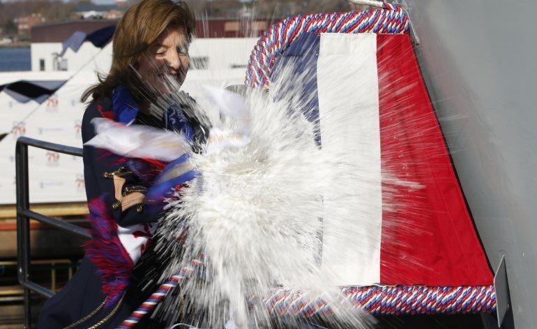 Bautizan en EEUU al nuevo portaviones John Kennedy