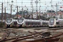 la huelga por pensiones paraliza el trafico parisino