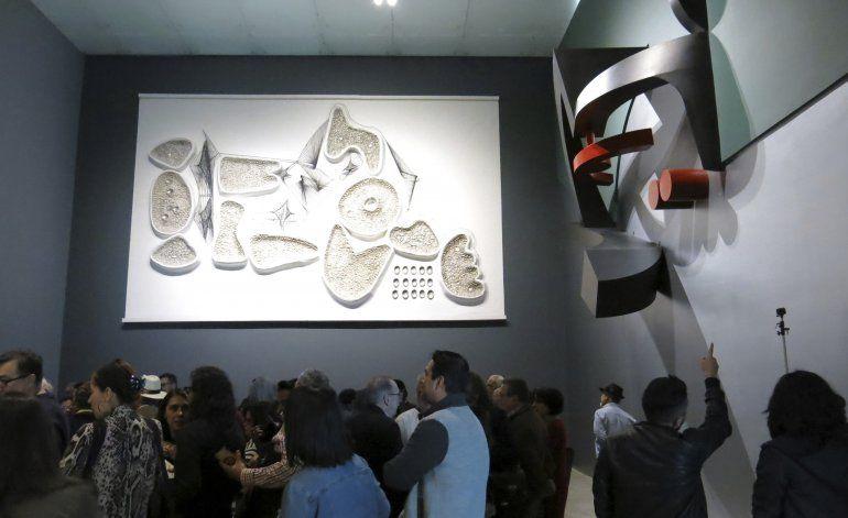 Manuel Felguérez mantiene el diálogo entre arte y público