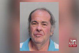 arrestan a hombre que se toco sus partes intimas frente a dos menores en hialeah