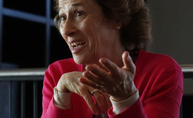 """Julia Navarro quiere """"viajar al fondo del ser humano"""""""