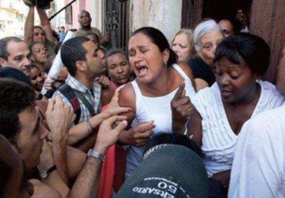 Hoy no puedes salir de casa, una orden para acallar el Día de los DDHH en Cuba