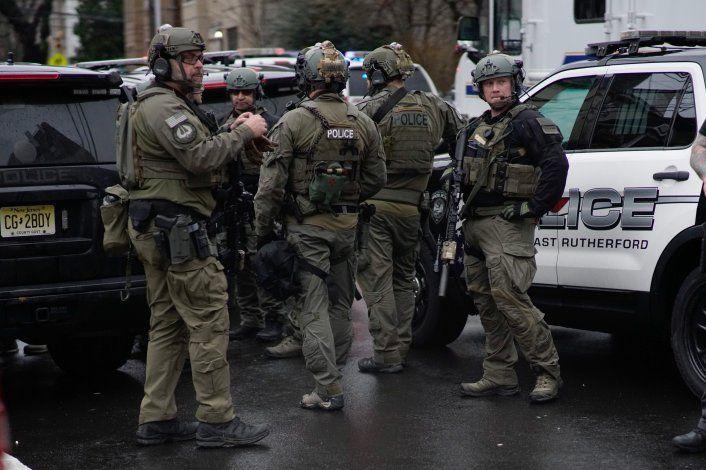 Tiroteo en Nueva Jersey deja 6 muertos, incluido un policía