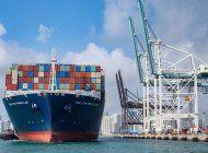 el puerto de miami recibio este miercoles el mayor barco que haya atracado jamas en sus muelles