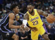 lebron guia a lakers en triunfo sobre magic