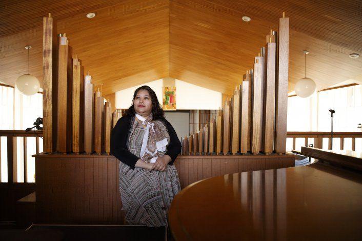 Salvadoreña lleva un año en iglesia cerca de la Casa Blanca