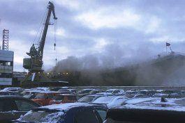 incendio en portaviones ruso deja 10 heridos