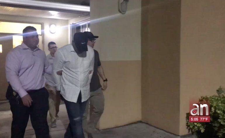 Las autoridades de Hialeah arrestaron a un hombre por fraude y robo de identidad