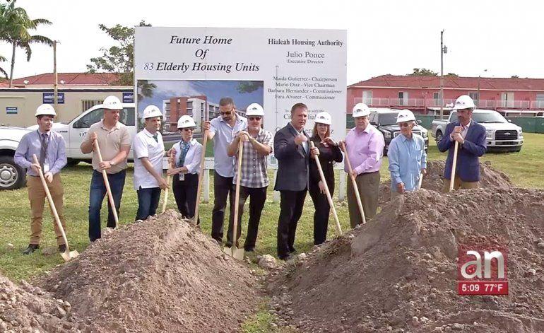Este viernes dio inicio la construcción de un edificio que pronto se convertirá en el hogar de 83 familias de Hialeah