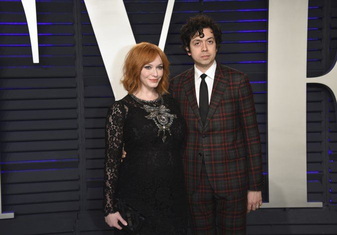 "Estrella de ""Mad Men"" Christina Hendricks pide divorcio"