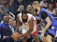 jarden anota 54 puntos y rockets ganan 130-107 a magic