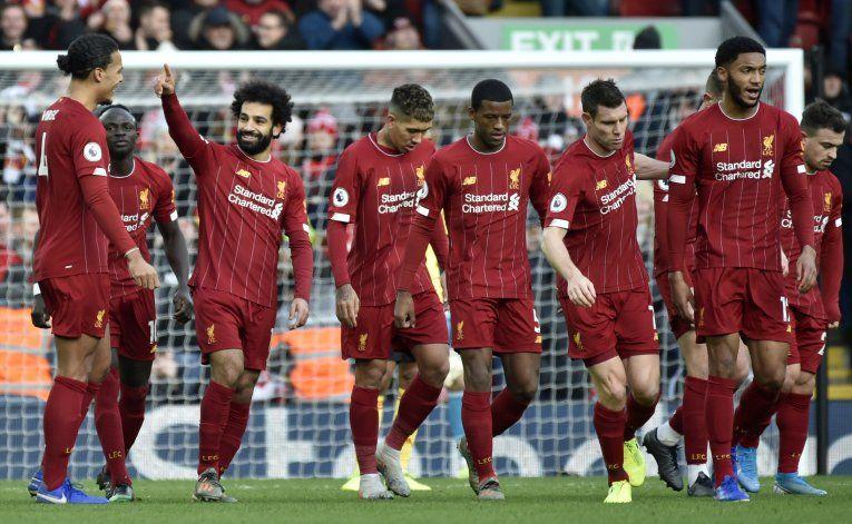 Con goles de Salah, Liverpool despacha a Watford