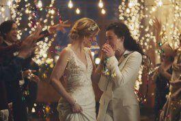 hallmark criticada por sacar alusiones a bodas gay