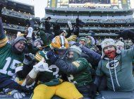 jones anota 2 veces; packers completan barrida sobre bears