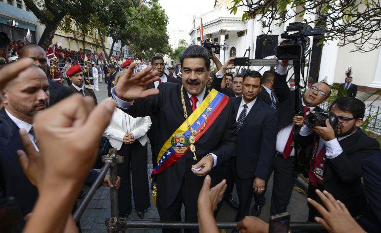 Maduro acusa de conspiración a diplomático de EEUU