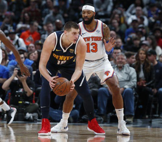 Nikola Jokic anota 25 puntos y Nuggets superan a Knicks