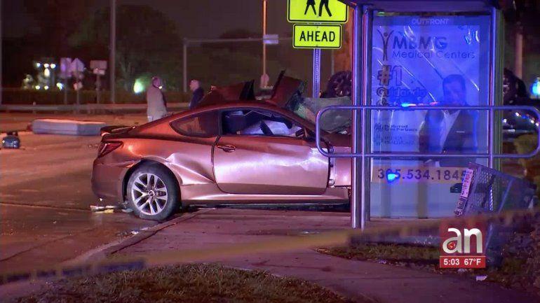 Un muerto y varios heridos dejó un aparatoso accidente de tránsito en el suroeste del condado Miami-Dade