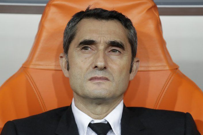 Barcelona destituye a Valverde y nombra a Setién