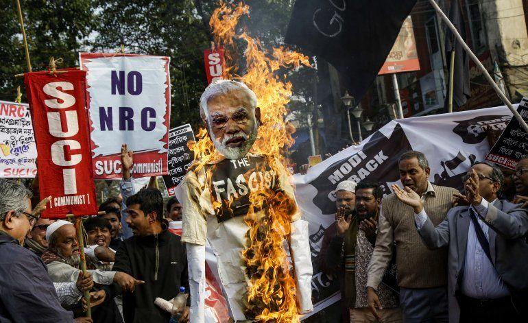 Un estado indio lleva la ley de ciudadanía a los tribunales