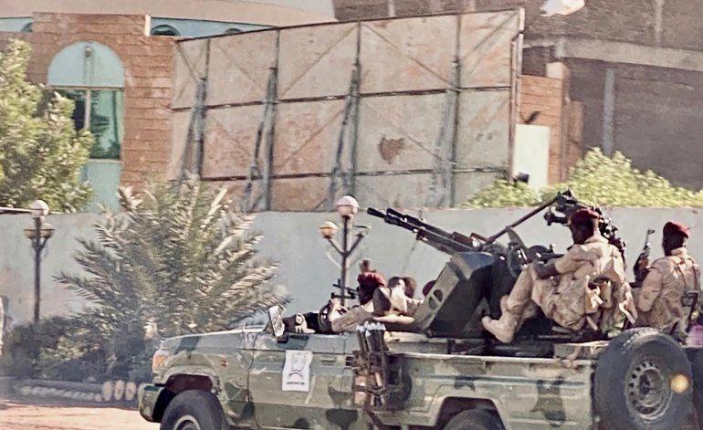 Sudán dice que ha aplastado intento de alzamiento