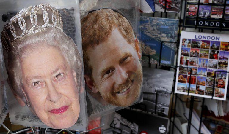 Líder británico: familia real podrá resolver sus problemas