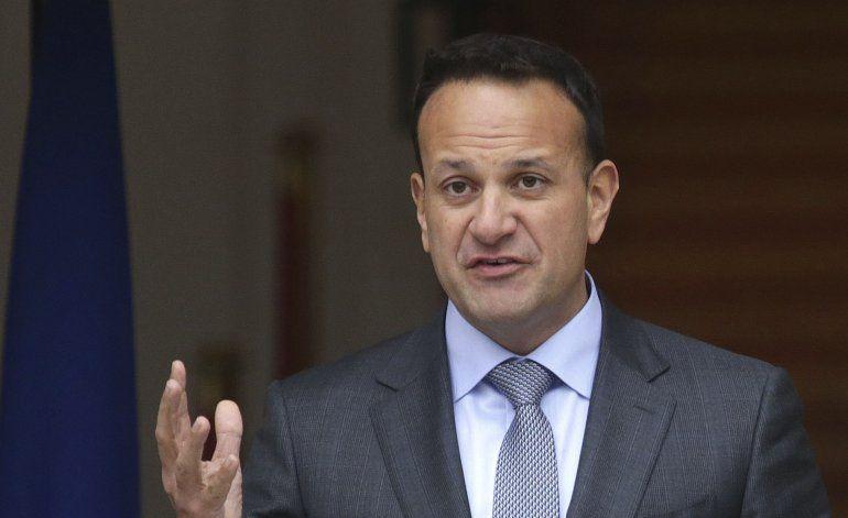 Irlanda a punto de disolver Parlamento antes de elección