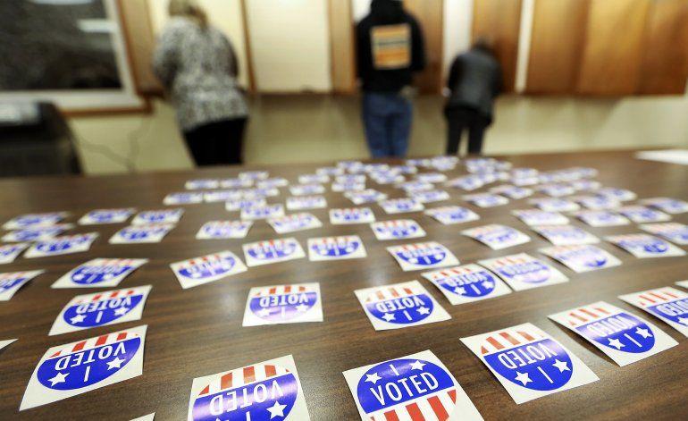 Corte frena eliminación de nombres de votantes en Wisconsin