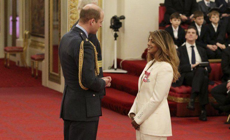 Príncipe Guillermo honra a M.I.A. en Buckingham