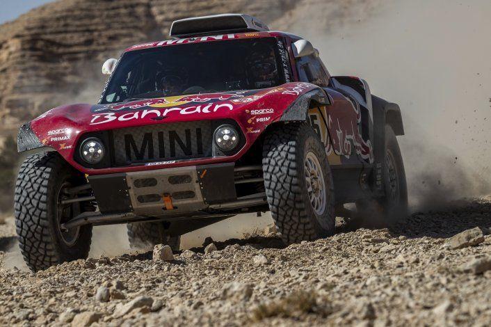 Dakar: Sainz lidera por apenas 24 segundos sobre Al-Attiyah