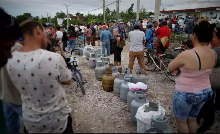 Gobierno cubano reconoce escasez de gas licuado y pide más ahorro al pueblo