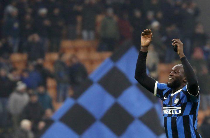 Lukaku anota 2 y pone al Inter en cuartos de Copa Italia