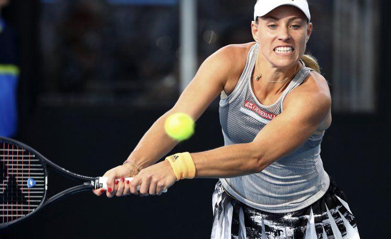 Kerber sale del torneo de Adelaida por lesión en la espalda