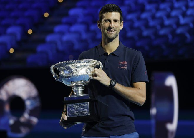 Djokovic y Federer podrían toparse en semis en Australia